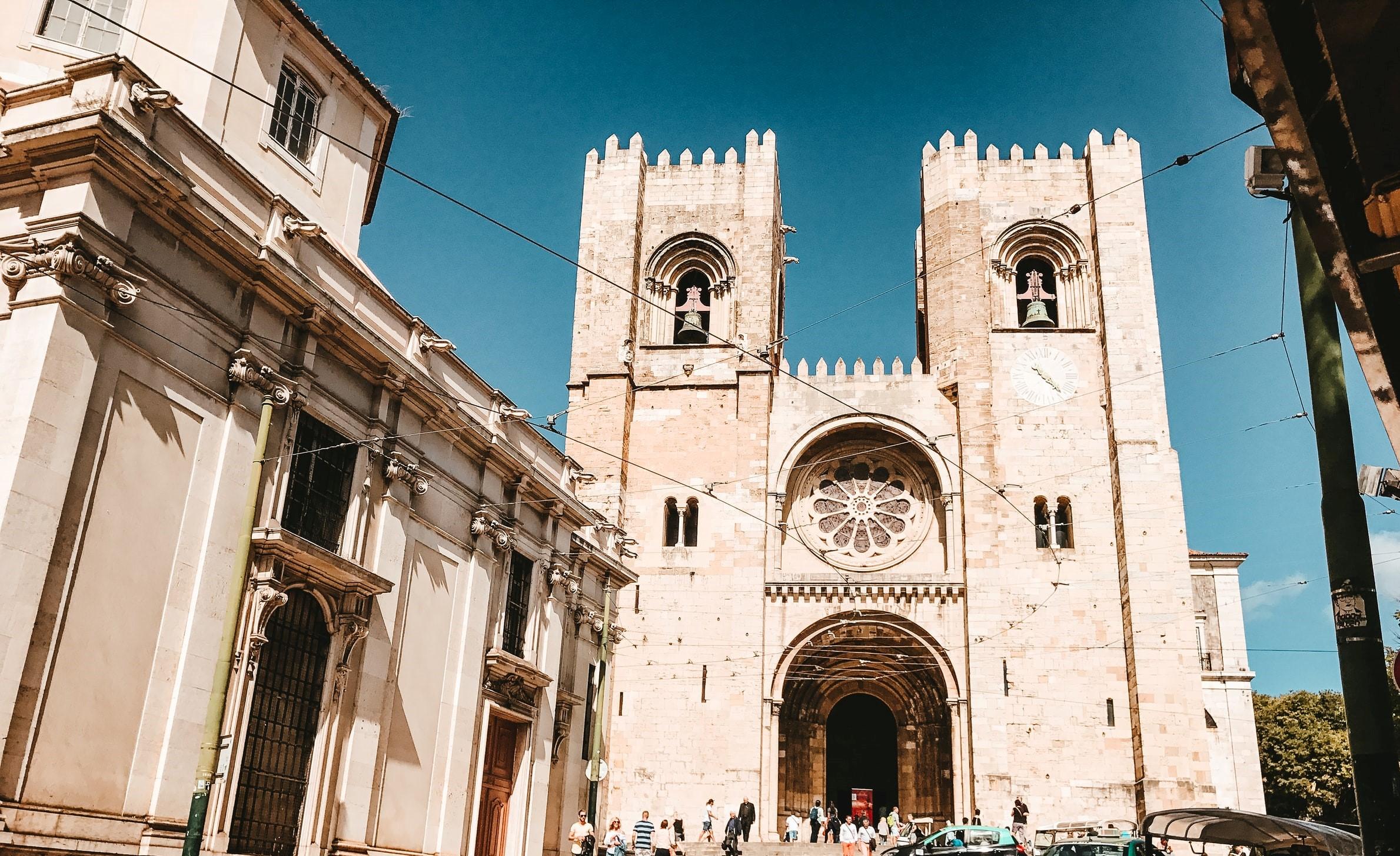 Corona Portugal Tourismus