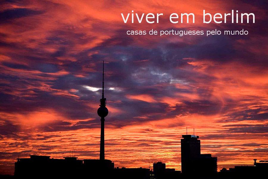 a tv tower, na alexanderplatz, é um dos locais de eleição dos turistas que visitam berlim