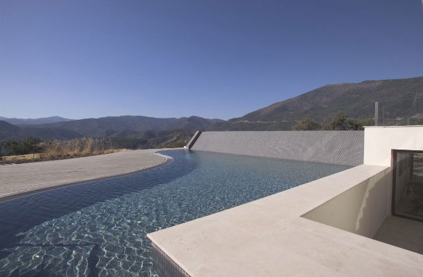 casas de sonho: casa andaluza com vista sobre a serra de málaga, espanha (fotos)