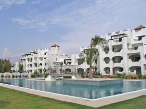 esta casa, localizada em cádiz, custava 395.000 euros e agora está à venda por 185.000