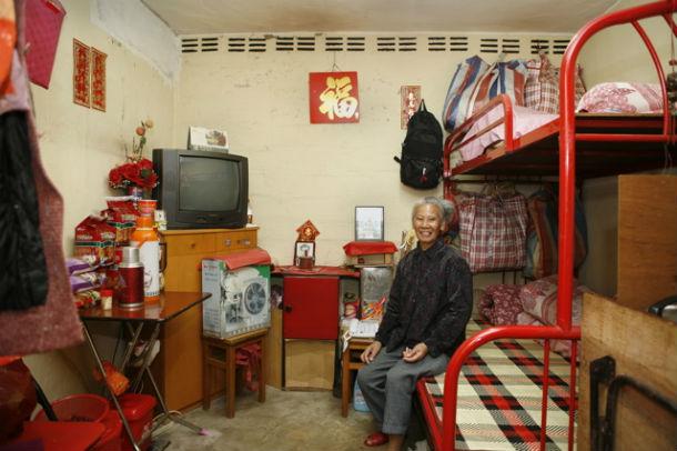 um dos 100 quartos de 10 m2 do edifício shek kip mei