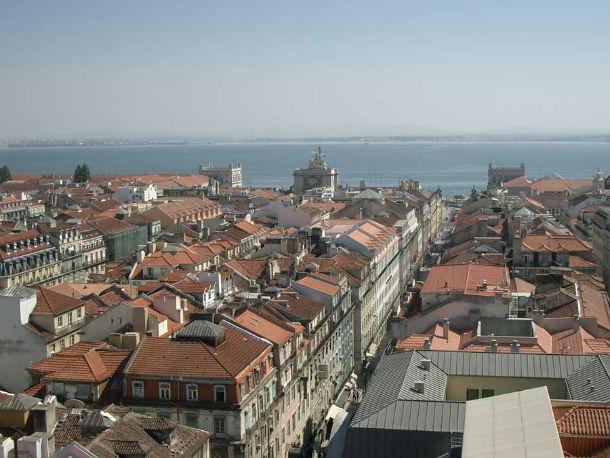 em lisboa, as casas novas custam, em média, 497,156 euros e têm 144 m2