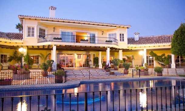 vista geral da mansão, que está localizada em marbella, espanha