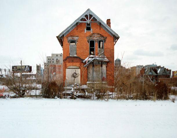 uma das 100 casas abandonadas fotografadas por kevin bauman