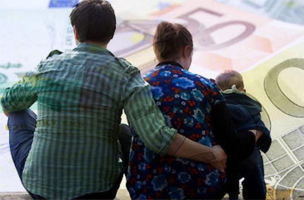 alterações ao acesso ao abono de família foram introduzidas em novembro de 2010,