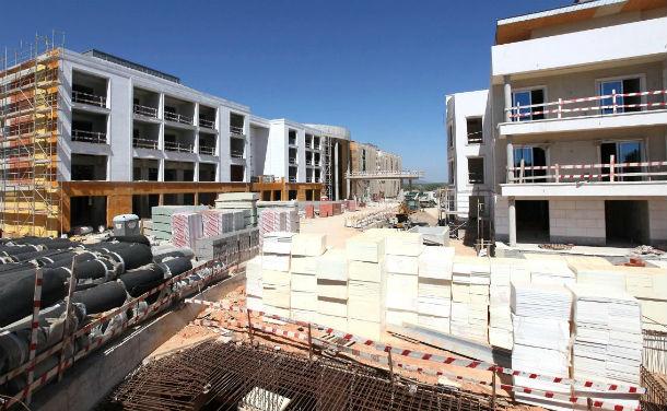 quebra deve-se às variações negativas nos segmentos construção de edifícios e engenharia civil