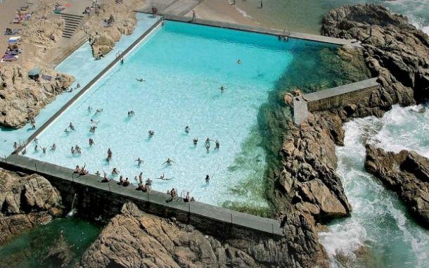 a piscina das marés, em leça da palmeira, foi concebida por siza vieira fotos: público/fugas