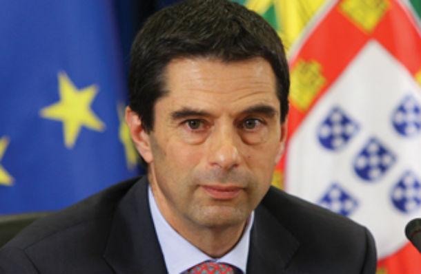 """vítor gaspar, ministro das finanças, já informou a """"troika"""" sobre a situação"""