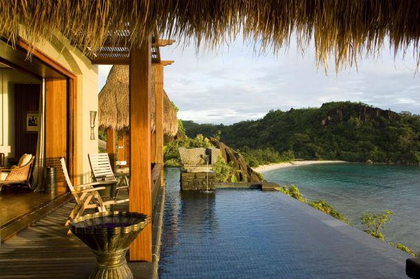 o hotel está localizado numa península privada na ilha de mahe