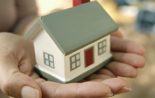 em causa está a reavaliação de casas para efeitos de actualização de imi