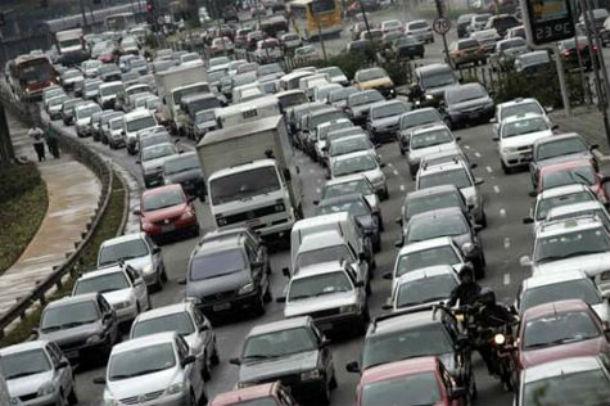 em 2012 houve uma queda de 37,9% na venda de carros: foram vendidos 95.290 ligeiros