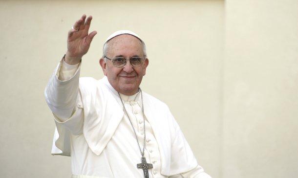 papa francisco rejeitou, para já, viver no apartamento papal, no palácio apostólico