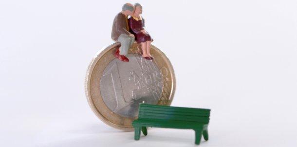 agora quem ganhe mais de 409,08 euros já não recebe o complemento solidário para idosos