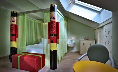 a decoração do hotel recria ambientes dignos dos contos de fadas