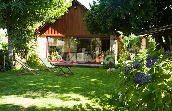 estadia de uma noite na casa da praça custa 95 euros. uma semana custa entre 450 e 485 euros
