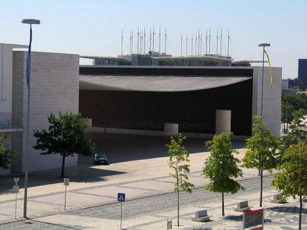 pavilhão de portugal está localizado no parque das nações, em lisboa