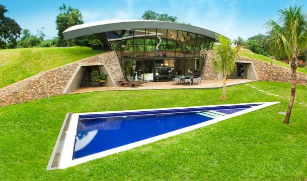 a casa está localizada na cidade de luque, no paraguai