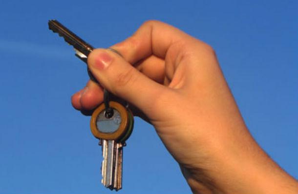 há cada vez mais pessoas que têm de arrendar quartos na própria casa