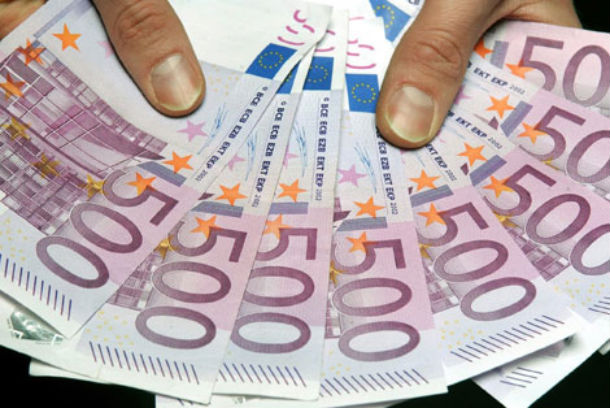 em janeiro, os bancos concederam 5,21 mil milhões de euros de novos empréstimos