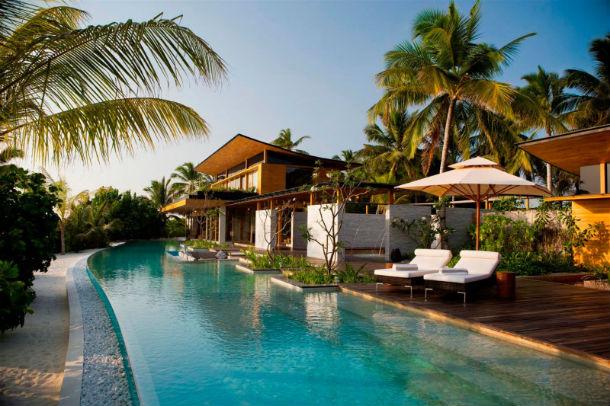 a casa está localizada na ilha kuda hithi e é a única existente na ilha