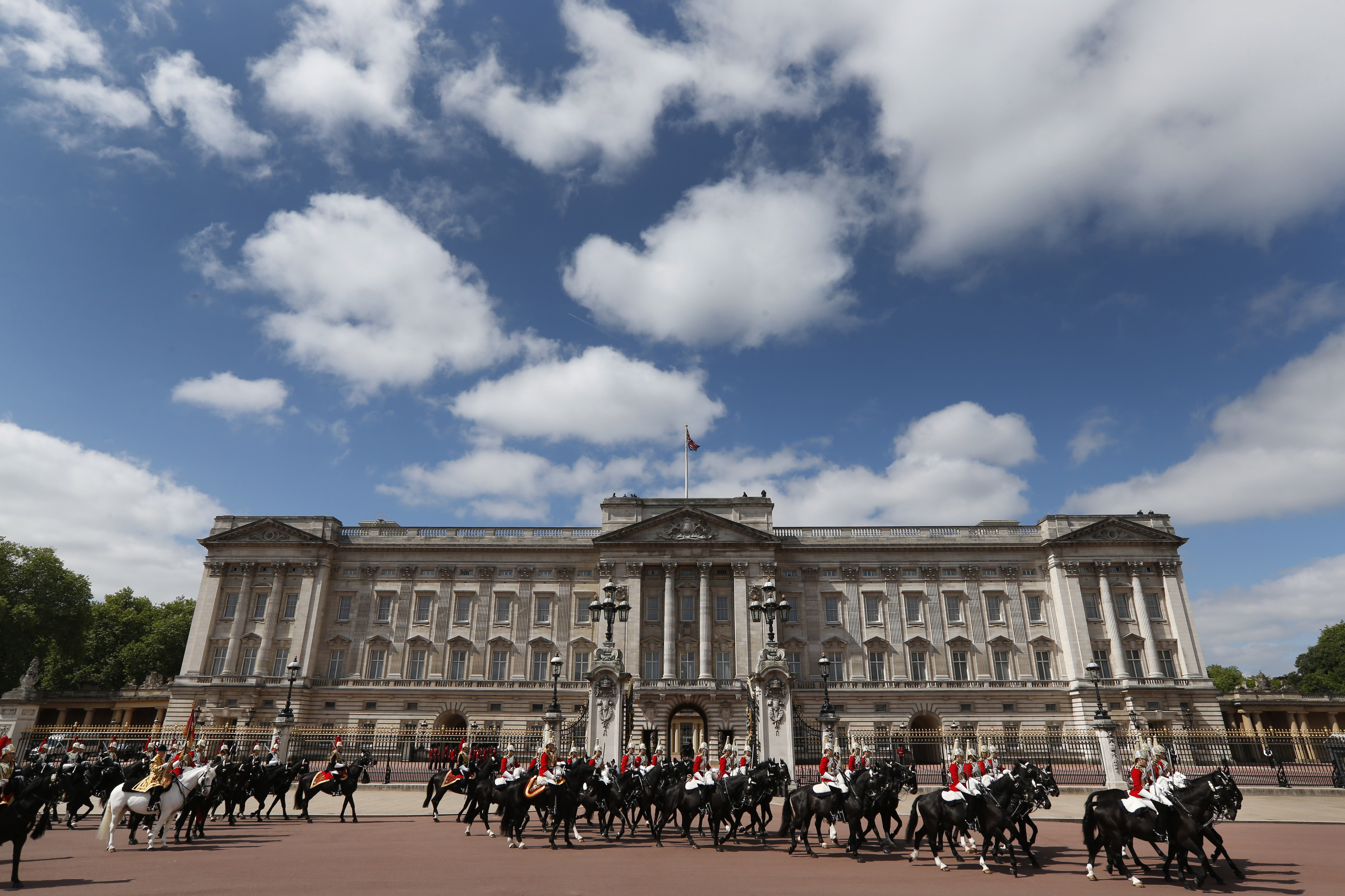 news from buckingham palace - HD5184×3456