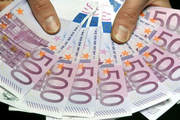 em cinco anos, a prestação média desceu de 427 para 273 euros