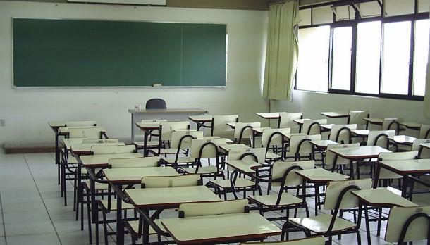 nos últimos 11 anos o reordenamento da rede escolar implicou o fecho de 6.508 escolas do primeiro ciclo