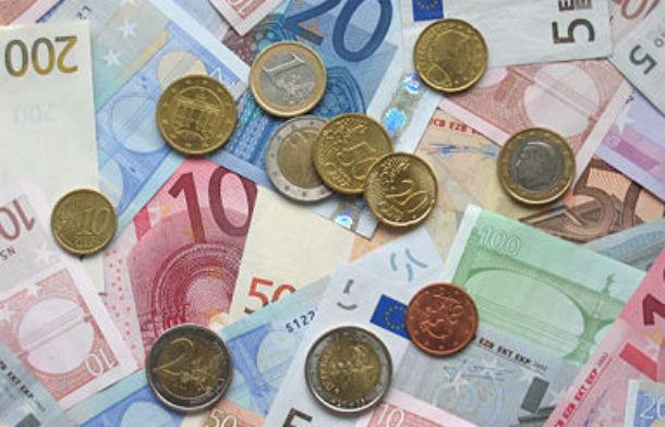 em março, estavam parados 6,6 mil milhões de euros, mais 400 milhões que a 1 de janeiro
