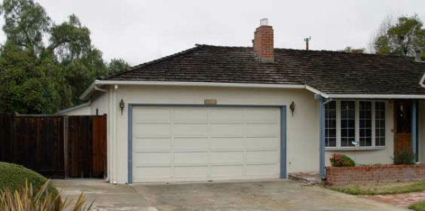 Nesta garagem foram construídos os primeiros computadores Apple (foto: allaboutstevejobs.com)