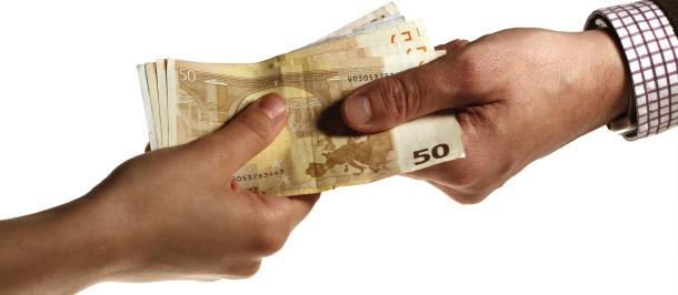 Só os funcionários públicos receberam 700 milhões de euros em suplementos salariais.