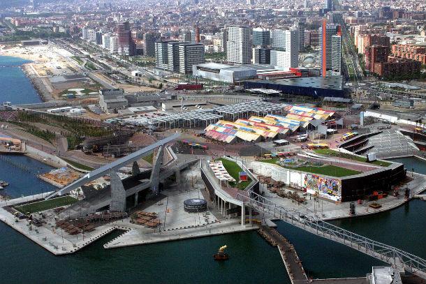 Vista panorâmica da cidade de Barcelona, em Espanha.