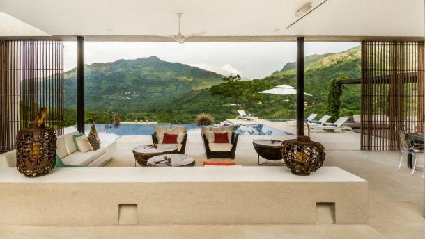 A casa está localizada em Villeta, a 100 quilómetros de Bogotá.