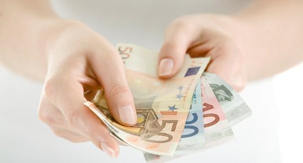 Funcionários públicos terão um corte nos salários a partir dos 675 euros brutos mensais
