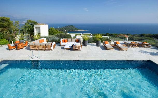 A casa está localizada em Saint-Jean-Cap-Ferrat, no sudeste de França.