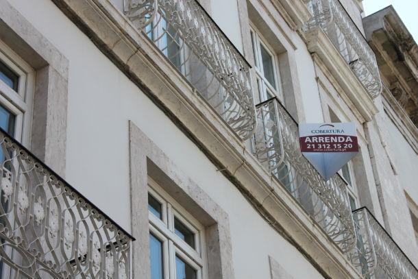 Crise no imobiliário aumentou a oferta de camas paralelas em portais de arrendamento para férias.