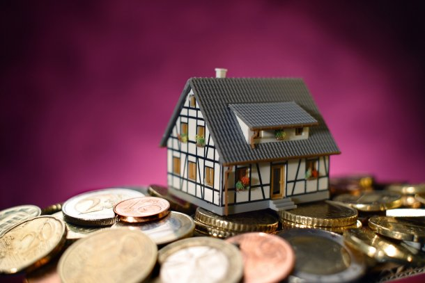 Na Zona Euro, 60,1% da população reside numa casa própria enquanto 39,9% arrenda casa.