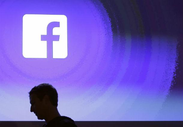 """Facebook """"está em vias de ligar mil milhões de pessoas"""", disse Mark Zuckerberg."""