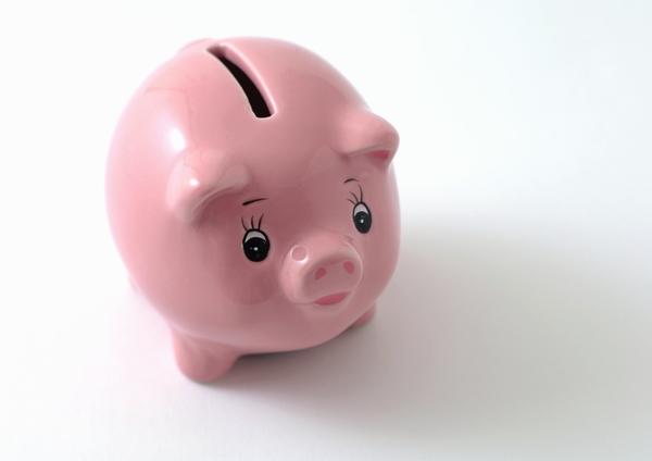 Pensões de sobrevivência reduzidas em março
