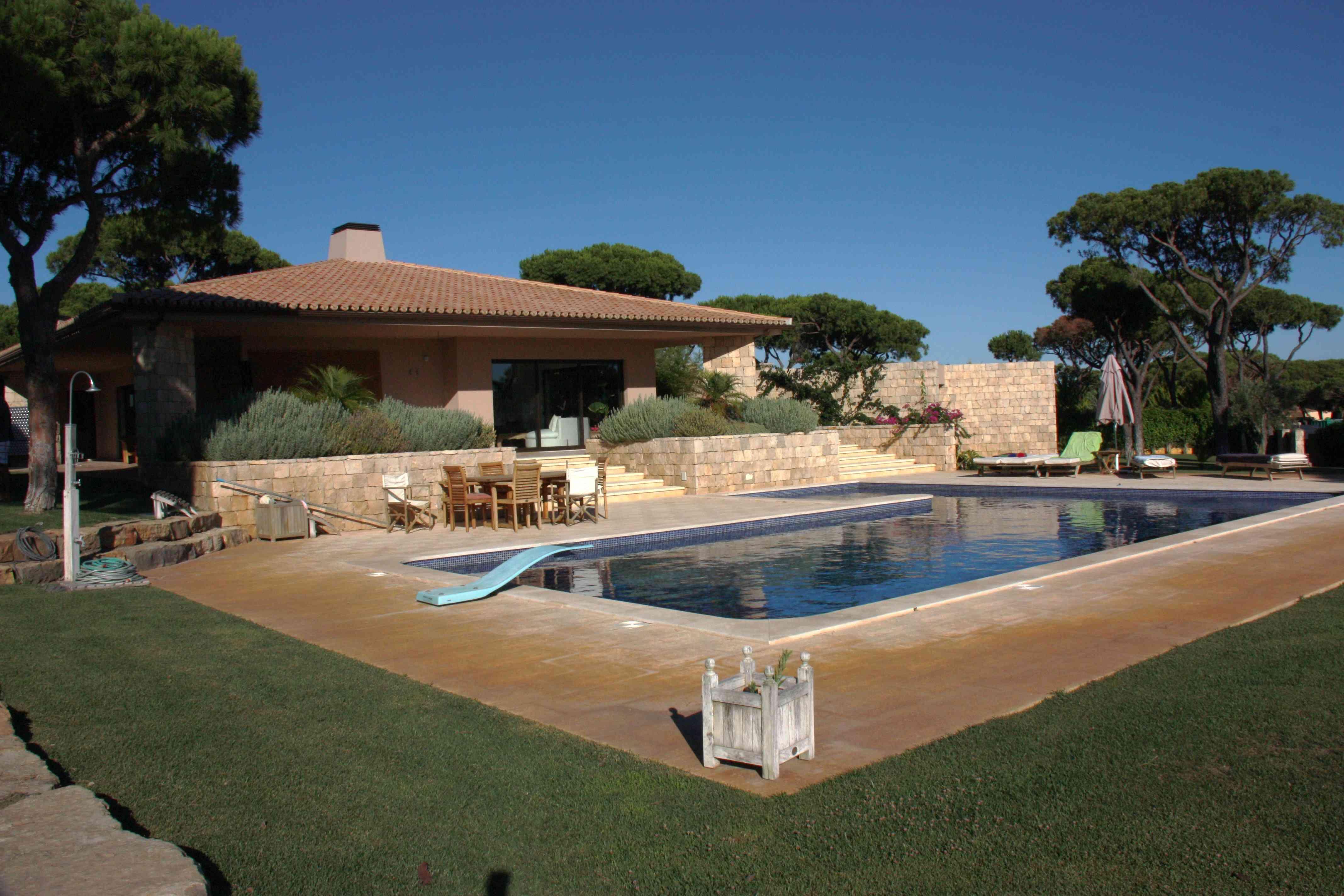 Casa de luxo de Cristiano Ronaldo no Algarve atrai investidores