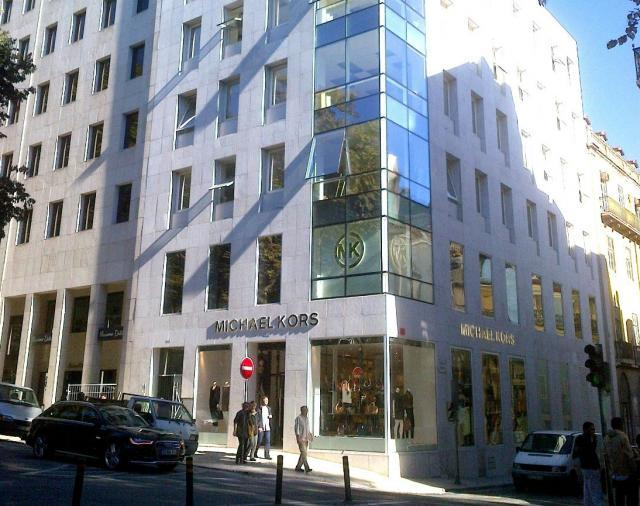 b0e8f87c246 Lisboa  18 lojas de luxo novas na Avenida da Liberdade em dois anos e em  2015 deverão abrir mais sete