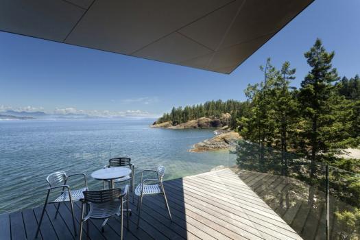 Casas de sonho: Abraçar o mar numa ilha remota do Canadá (fotos)