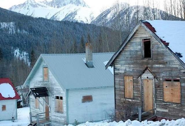 Imobiliária chinesa compra cidade fantasma no Canadá para construir um parque temático