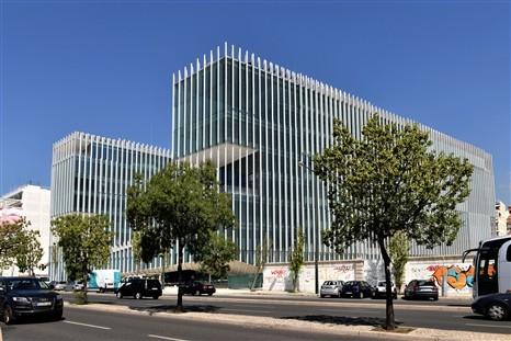 A nova sede da EDP está localizada junto ao Cais do Sodré, na Avenida 24 de Julho (Foto: Dinheiro Vivo).