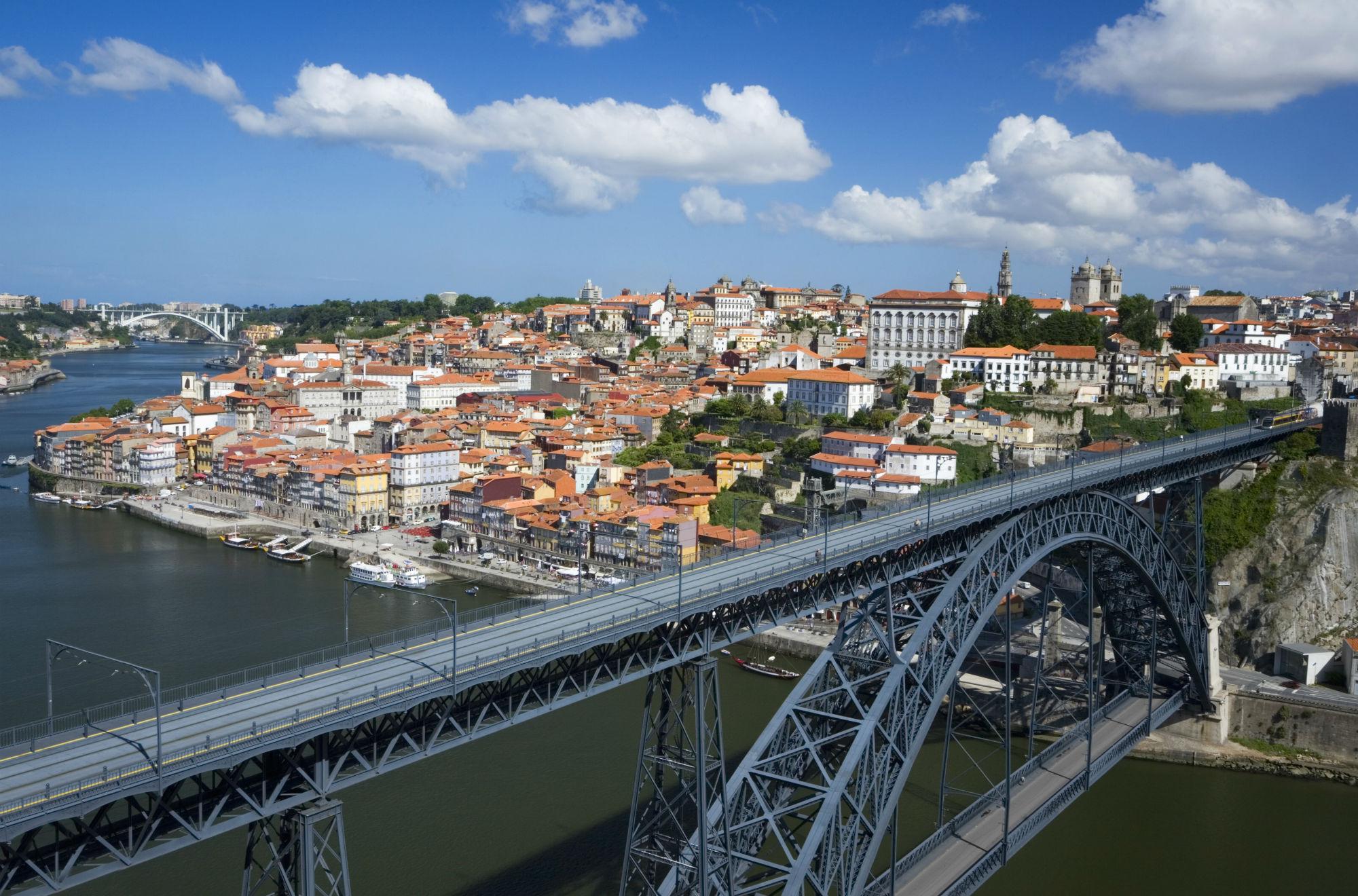 Vista panorâmica sobre a cidade do Porto.