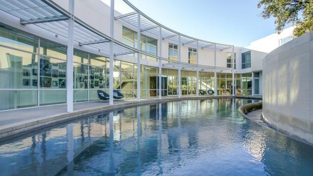 Esta espetacular casa está à venda por 7,1 milhões de euros (Fotos: Trulia).