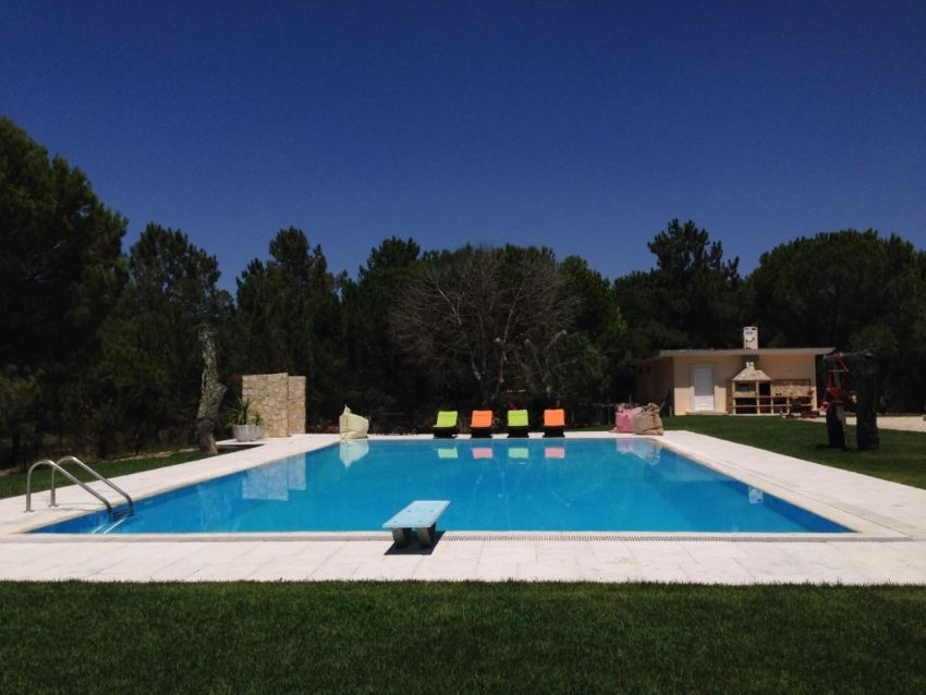 Esta espetacular casa rústica está localizada em Benavente e custa 980.000 euros.