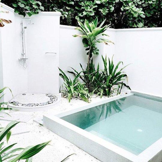 Ideias de decora o como ter uma piscina num jardim for Piscinas en patios muy pequenos