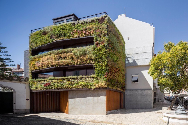 Mansão sustentável com jardins verticais à venda em Lisboa