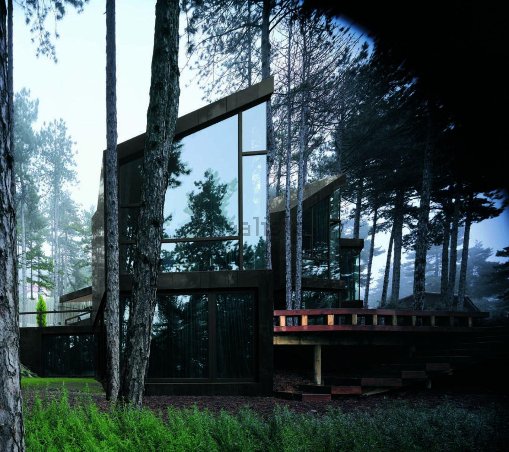 Casa Levene, projetada pelo arquiteto Eduardo Arroyo no Monte Abantos (Madrid)