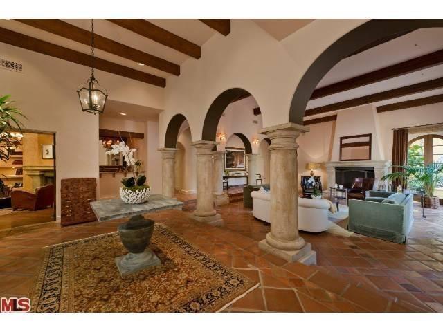 Casa de estilo neocolonial hispânico à venda por 5 milhões de dólares